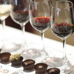 401px-Red_wine_and_chocolate_pairing